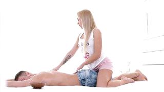 Deep anal massage for blonde