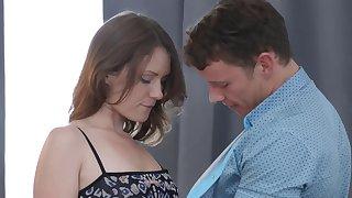 Teen seduces her college tutor